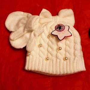 Baby hat & mittens